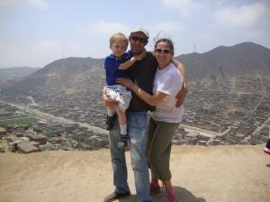 Mi esposo, mi hijo y yo, casi casi tocando el cielo!!