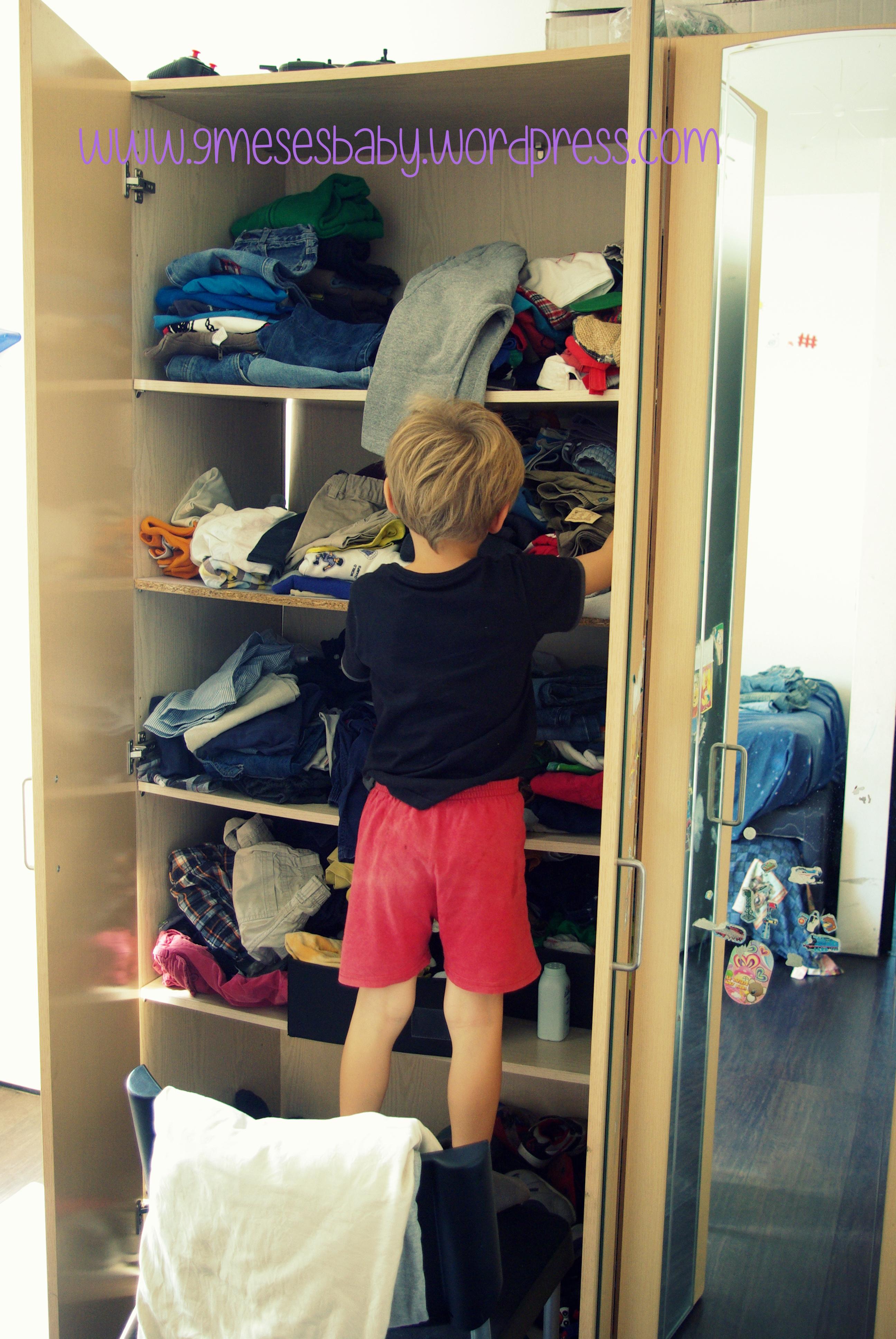 6 consejos para vivir sin nana y no morir en el intento for Cuarto de zapatos